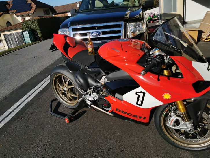 Ducati 1100 Superb. Panig. V4 Speciale ABS