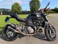 Ducati 821 Monster ABS