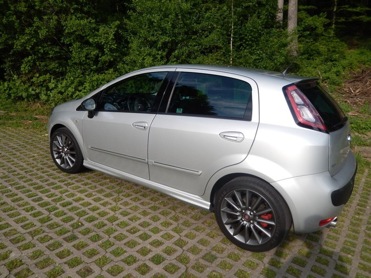 fiat punto evo 1 4 16v t sport 135 ps fiat mfk. Black Bedroom Furniture Sets. Home Design Ideas