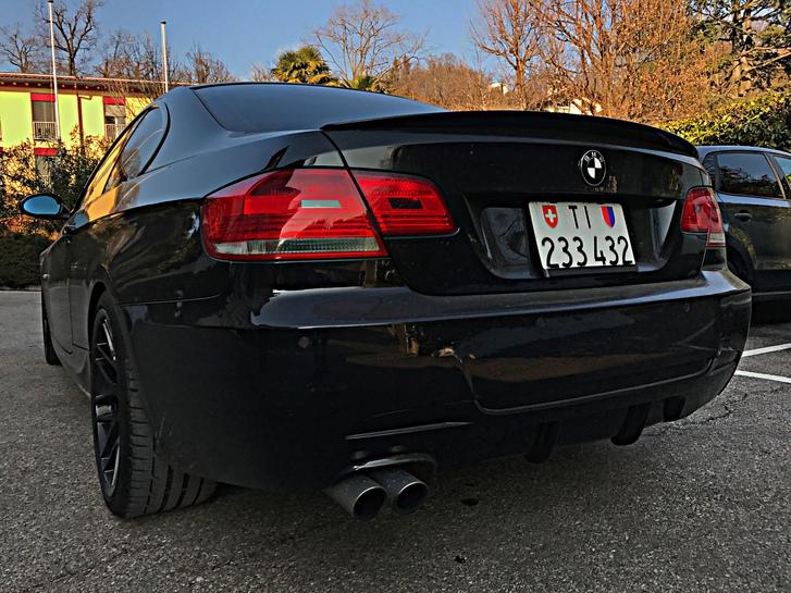 BMW E92 330i BMW 2