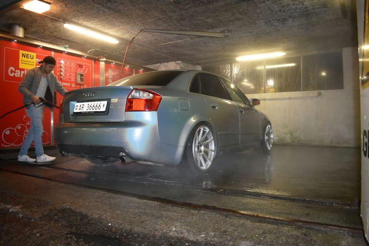 Audi S4 4.2 V8  Audi 3