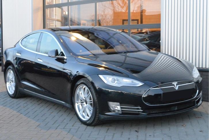 Tesla Model S90D Tesla 1