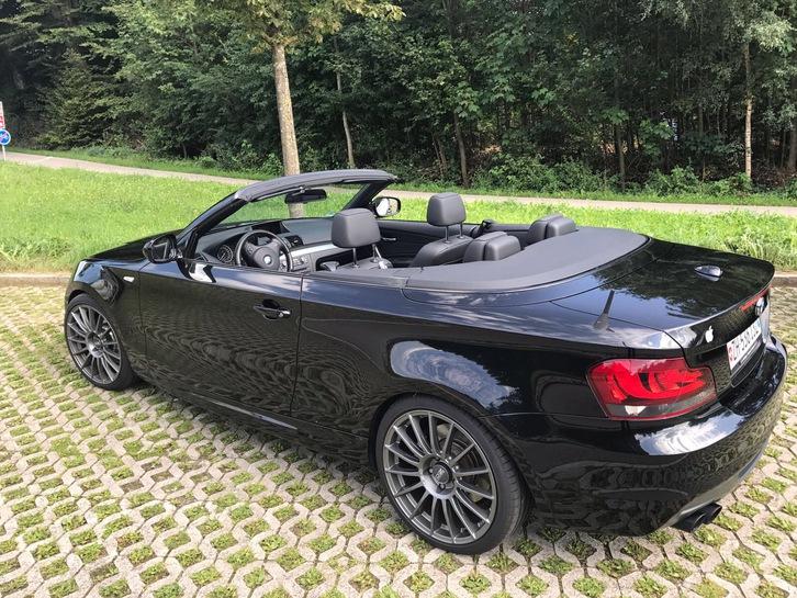 BMW 135i Cabriolet schwarz BMW 1