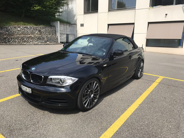 BMW 135i Cabriolet schwarz BMW 4