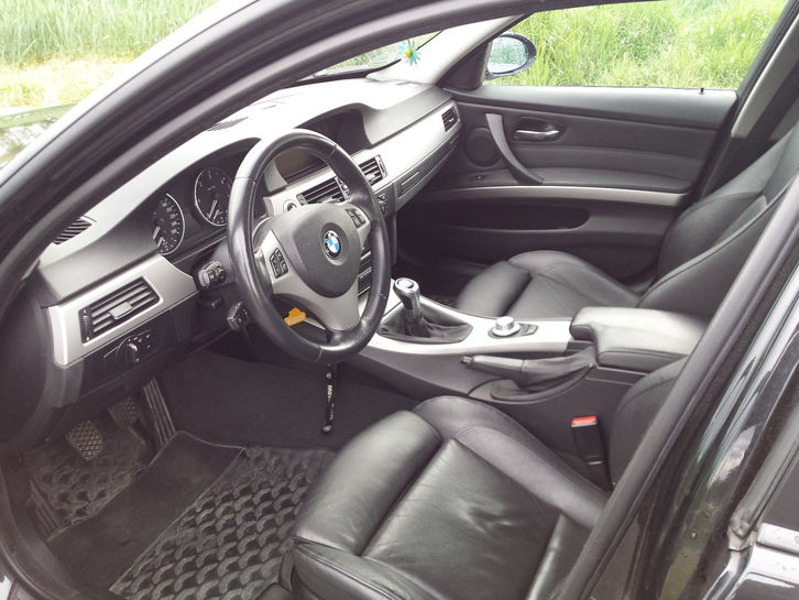 BMW 320d Touring Audi 3