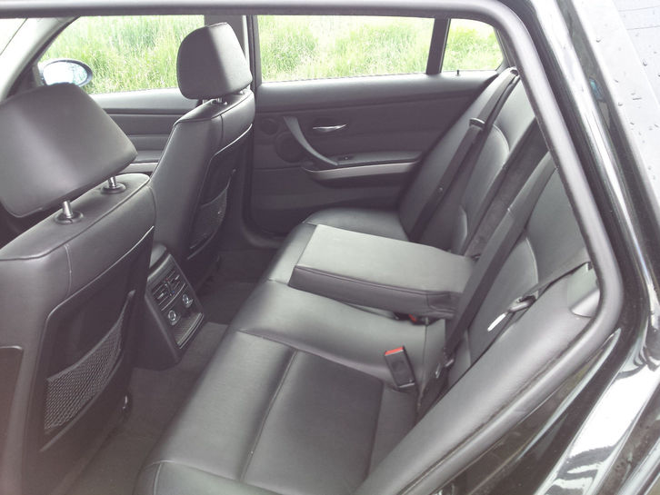 BMW 320d Touring Audi 4