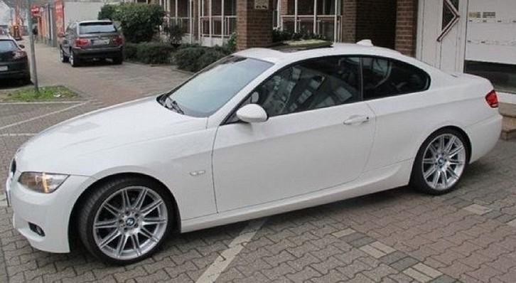 BMW 320d Aut. 4-türig  BMW 1