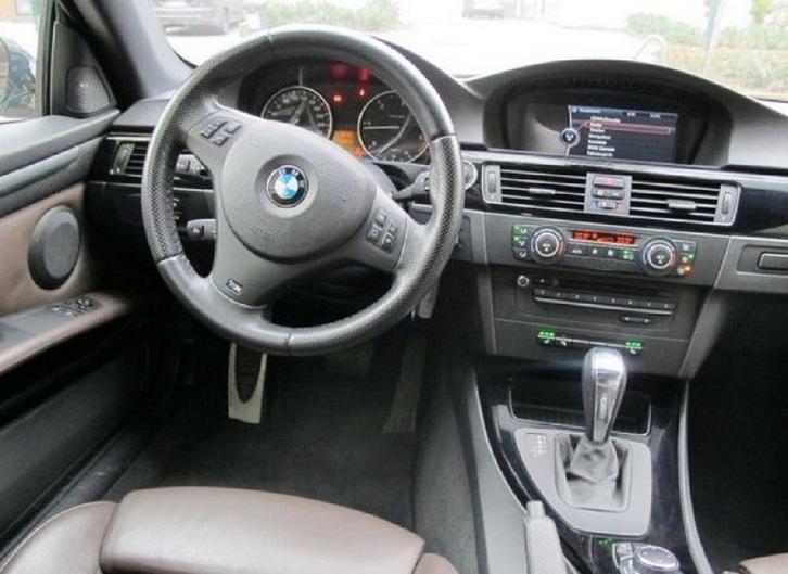 BMW 320d Aut. 4-türig  BMW 2