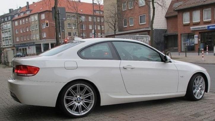 BMW 320d Aut. 4-türig  BMW 3