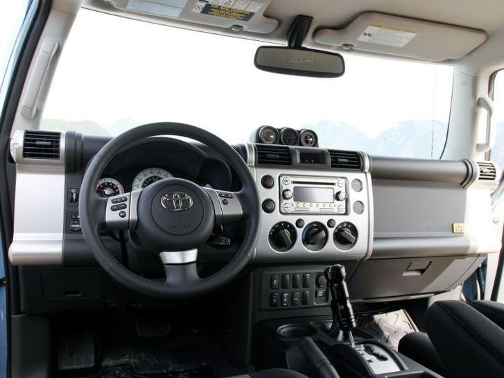 SAMMLERFAHRZEUG / INVESTITION Toyota 3