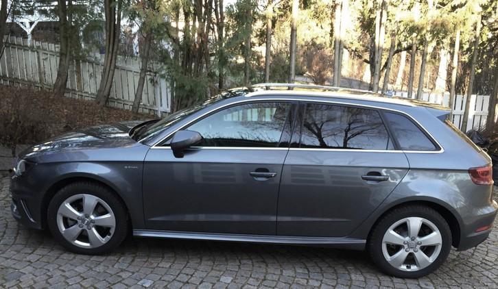 Audi A3 e-tron  Audi 4