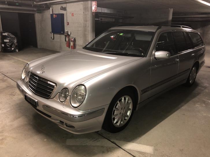 Mercedes-Benz 320 T Mercedes 1
