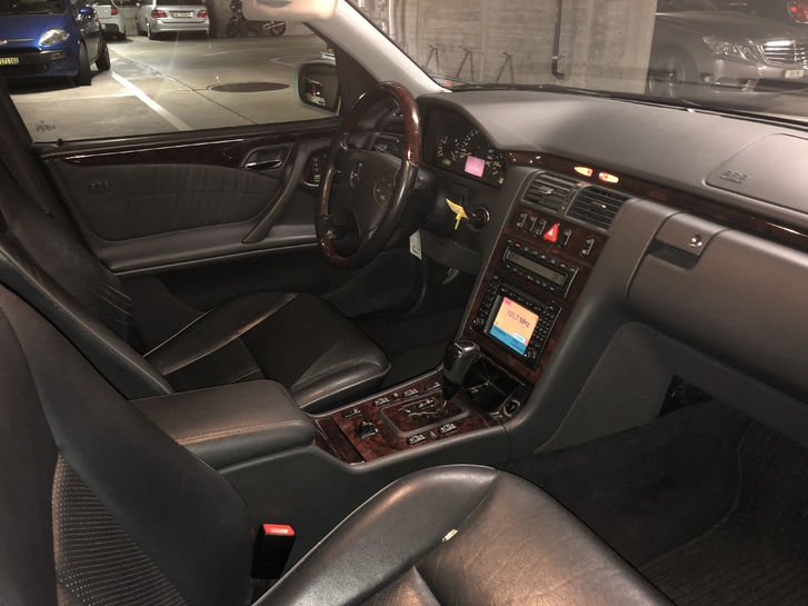 Mercedes-Benz 320 T Mercedes 3
