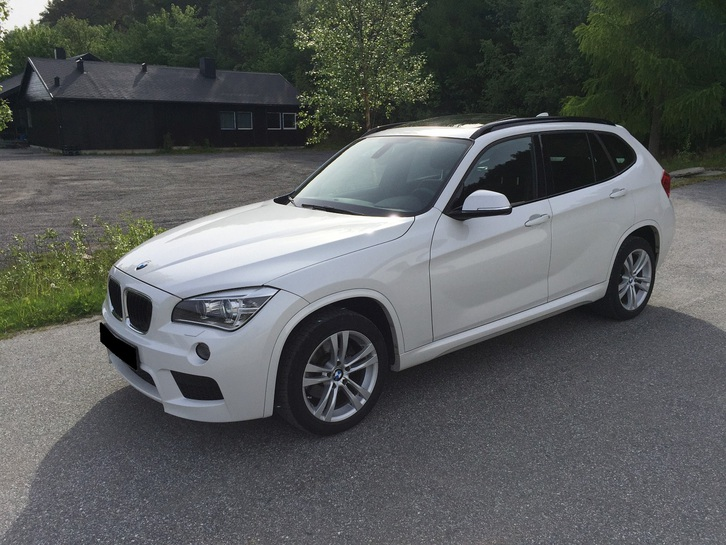 BMW X1 XDrive 18D ) M-Sport, Panorama, DVD BMW 2