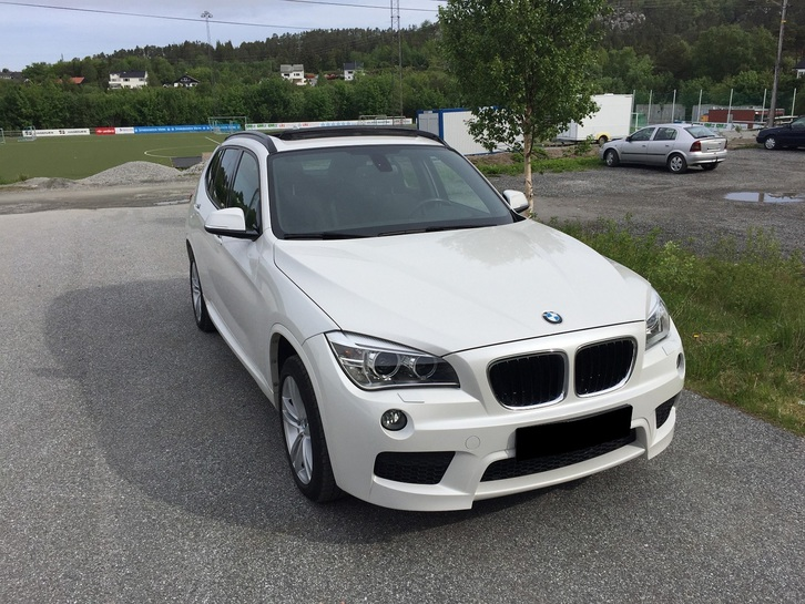 BMW X1 XDrive 18D ) M-Sport, Panorama, DVD BMW 3