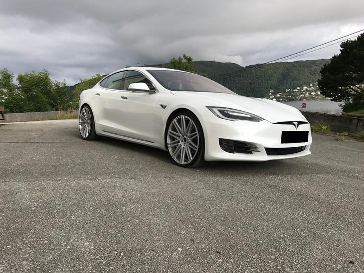 Tesla Model S  Tesla 1