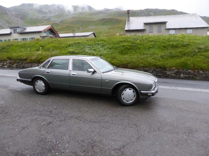 Jaguar Daimler XJ 4, Oldtimer ab Platz Jg. 1989 für Sammler 0793900605 Daimler 1