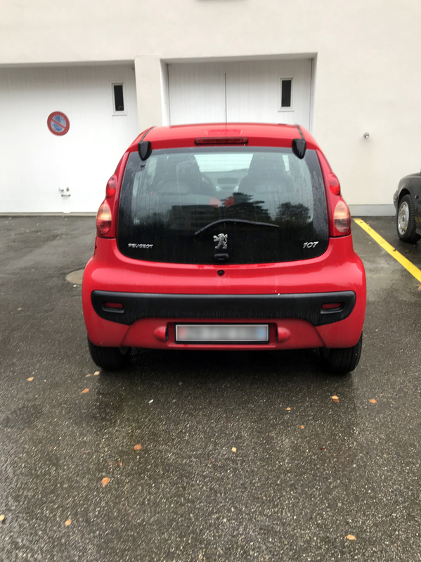 PEUGEOT 107 1.0i Peugeot 2