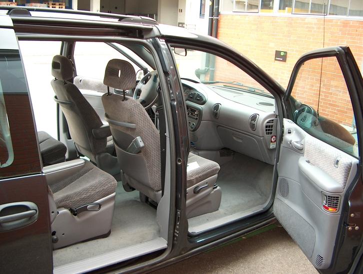Chrysler Voyager Minivan 7-Plätzer Chrysler 4