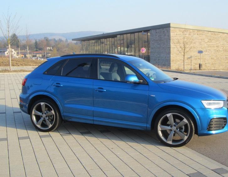Audi Q3 2.0TDI qu.S-tronic sport,20Zoll,3x S-line Audi 2