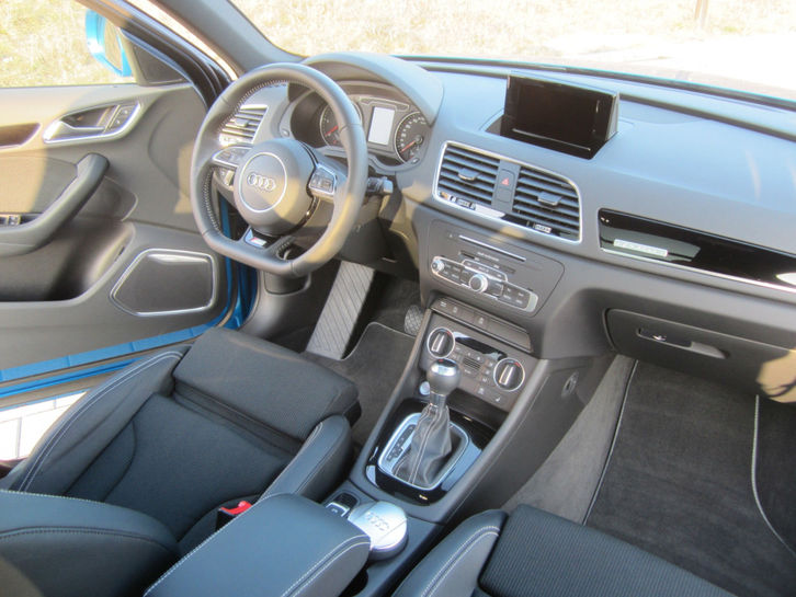 Audi Q3 2.0TDI qu.S-tronic sport,20Zoll,3x S-line Audi 4