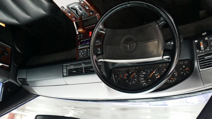 Schönes Cabriolet Mercedes 4