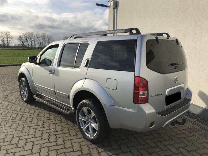 Nissan Pathfinder 3.0 dCi Aut- Euro5-Leder-7 Sitze Nissan 2