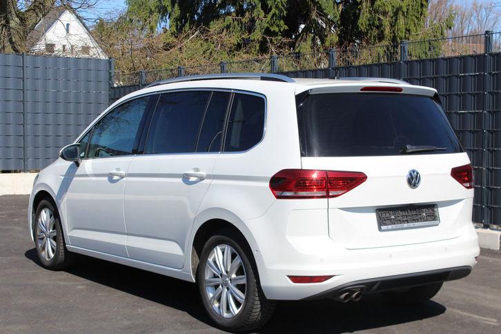 Volkswagen Touran 2.0 TDI Highl 7 Sitz Leder NAVI PANO VW 2