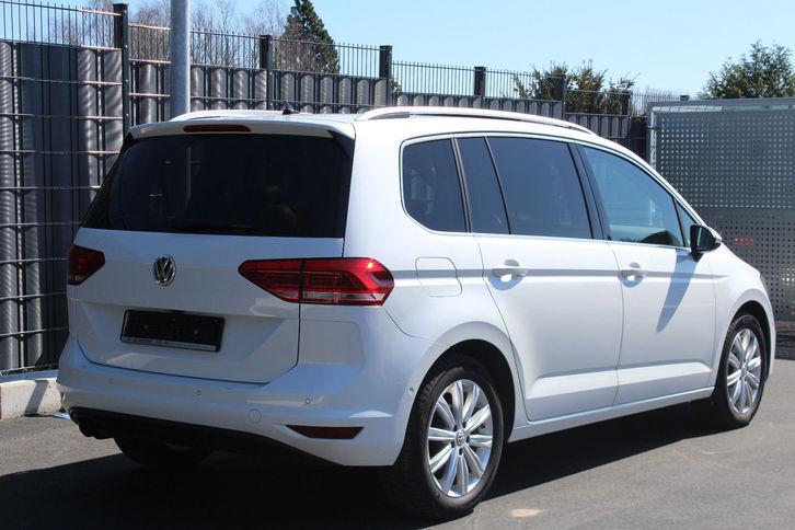 Volkswagen Touran 2.0 TDI Highl 7 Sitz Leder NAVI PANO VW 3