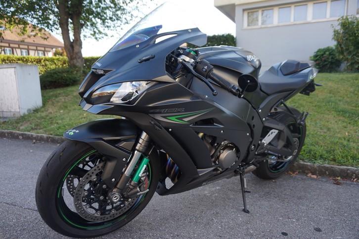 Kawasaki ZX10 R  --------- 1