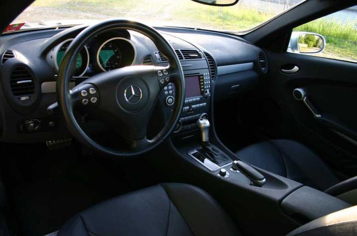 Mercedes SLK 350 AMG  Mercedes 4