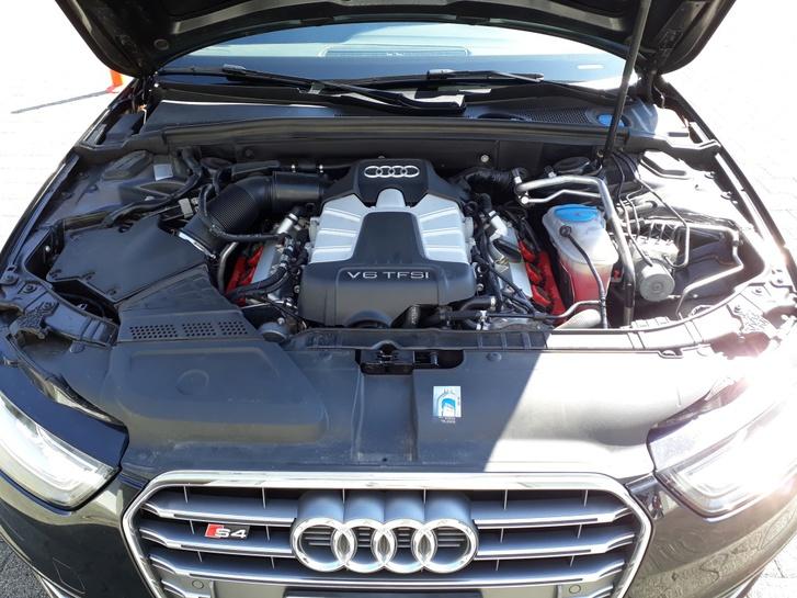 Audi S4 Avant 3.0 TFSI quattro S-tronic, schwarz Audi 4