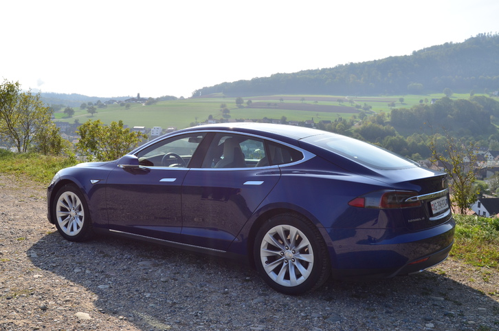 Tesla model S 70D Tata 1
