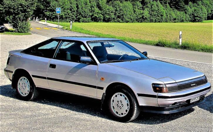 Celica,  2.0 GTI   grau-met. Toyota 1