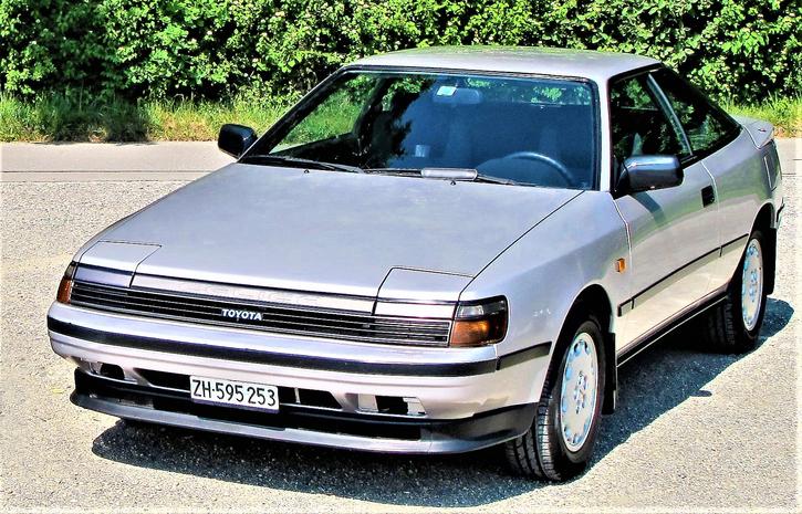 Celica,  2.0 GTI   grau-met. Toyota 2