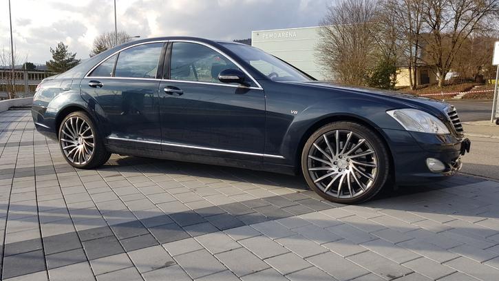 Ab Service und Ab MFK mir nur 58'000km Mercedes 1