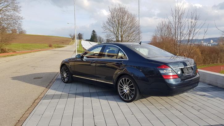 Ab Service und Ab MFK mir nur 58'000km Mercedes 2