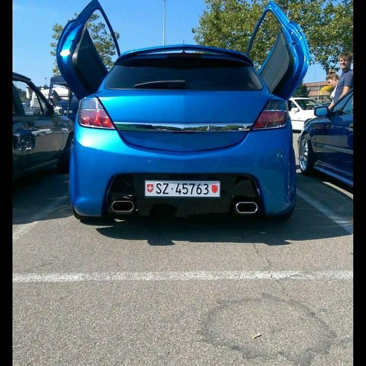 Opel Astra h 20th gtc Opel 3