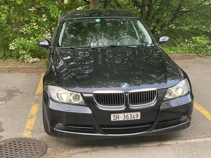 BMW 325i Automat  BMW 2