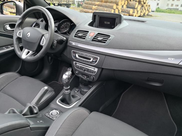 Renault Megane 2.0 Turbo CC  Renault 4