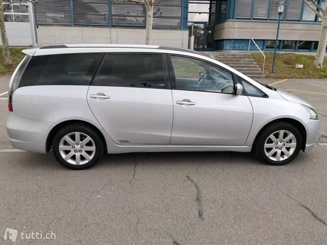 Mitsubishi Grandis  Mitsubishi 1