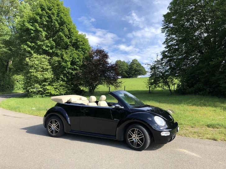 New Beetle Cabrio - Mit der umfangreichsten Mehrausstattung, die ein New Beetle haben kann! Lederausstattung «Cream», div. VW-Zusatzpakete!  VW 1