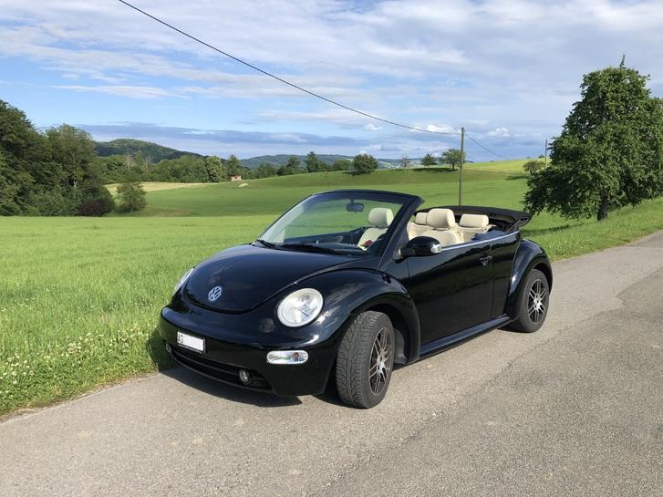 New Beetle Cabrio - Mit der umfangreichsten Mehrausstattung, die ein New Beetle haben kann! Lederausstattung «Cream», div. VW-Zusatzpakete!  VW 4