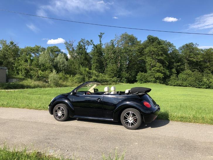New Beetle Cabrio - Mit der umfangreichsten Mehrausstattung, die ein New Beetle haben kann! Lederausstattung «Cream», div. VW-Zusatzpakete!  VW 3