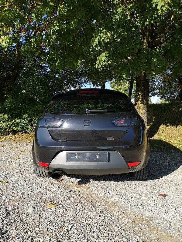 Leon R310 Seat 3