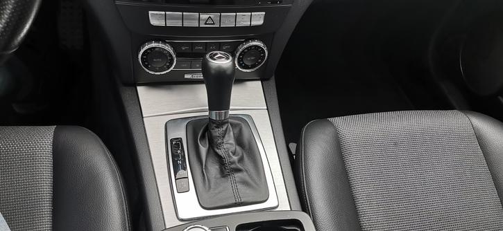 Mercedes C180 AMG line  Mercedes-Benz 3