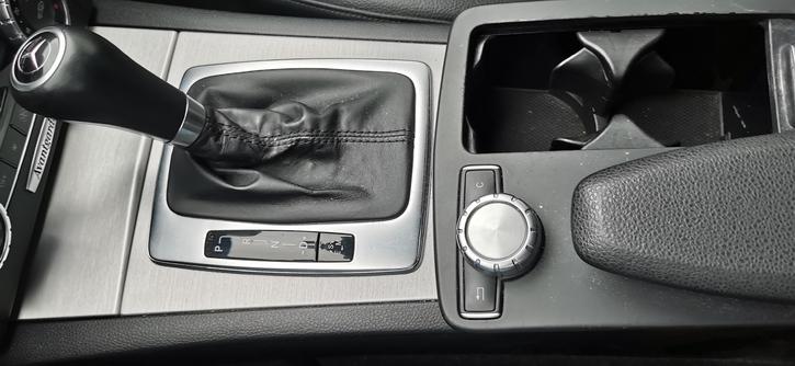 Mercedes C180 AMG line  Mercedes-Benz 4