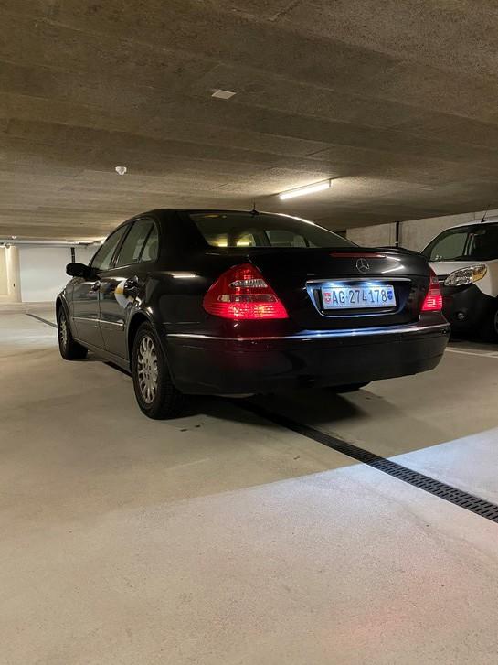Mercedes-Benz E320 4-m Mercedes-Benz 4