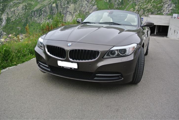 BMW Cabrio in Top Zustand BMW 2