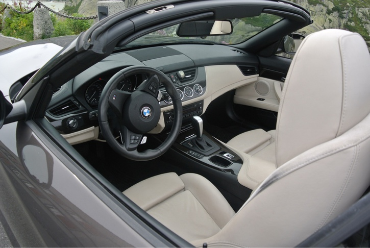 BMW Z4 sDrive 23i BMW 4